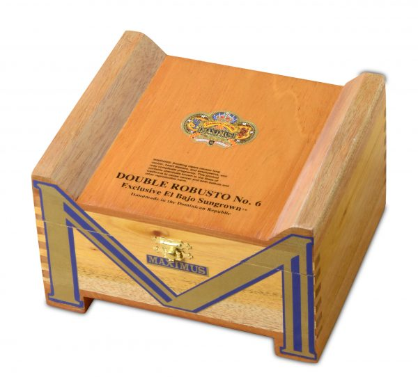 diamond crown maximus double robusto number 6 box closed